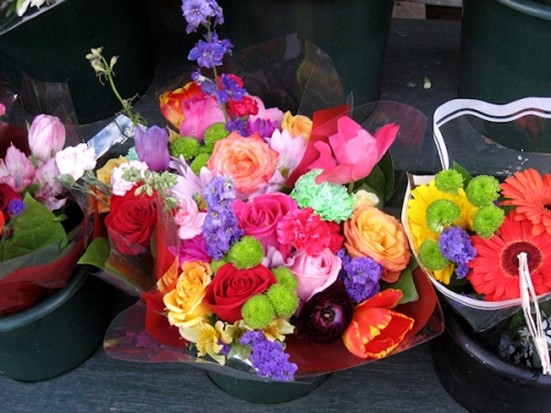 Photo of flower bouquets for sale, taken by Joana Miranda