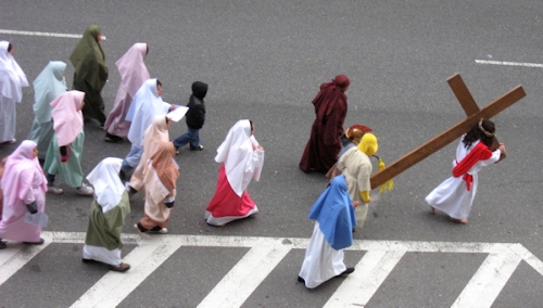 Photo of Good Friday procession on 97th Street - taken by Joana Miranda