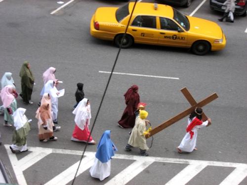 Jesus and the taxi - photo taken by Joana Miranda