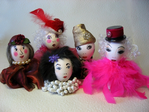 Photo of 5 glamorous egg-head ladies taken by Joana Miranda