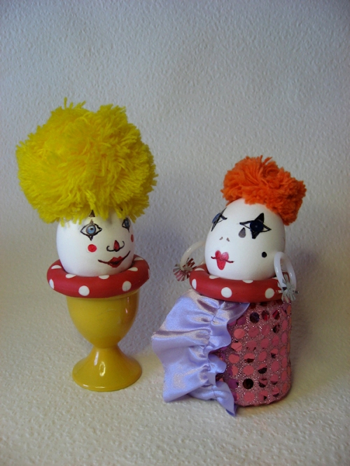 Photo of a pair of clown egg-heads, taken by Joana Miranda