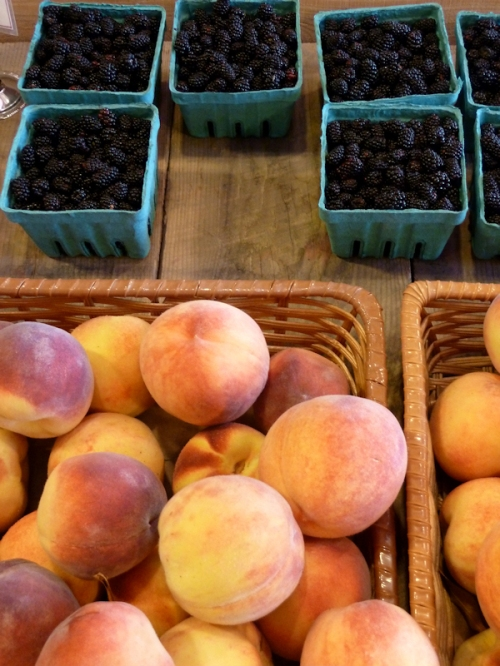 Photo of peaches and blackberries at Killdeer Farm Stand, VT; photo taken by Joana Miranda