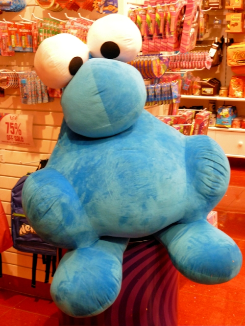 Photo of large blue stuffed toy, taken by Joana Miranda