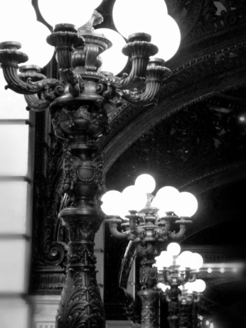 Photo of lanterns at Plaza Hotel entryway in New York City, taken by Joana Miranda