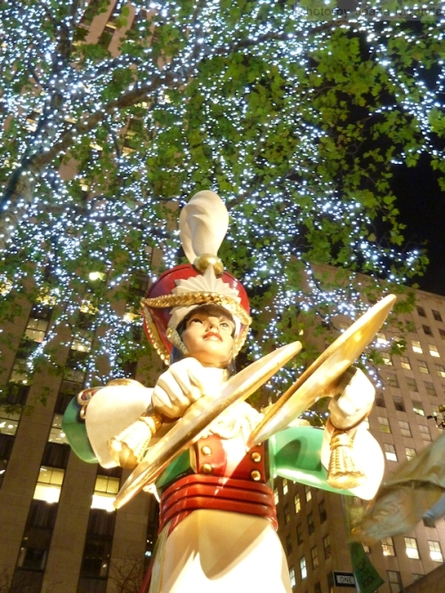 Photo of decorations at Rockefeller Center, taken by Joana Miranda