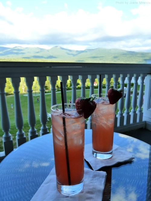 Champagne drinks overlooking Mount Washington