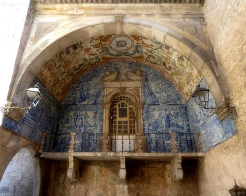 Archway into Obidos