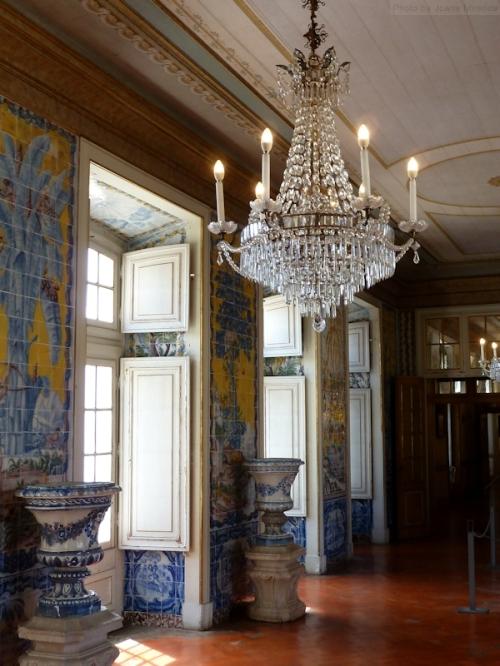 blue and yellow tiles in hallways at Palacio Queluz