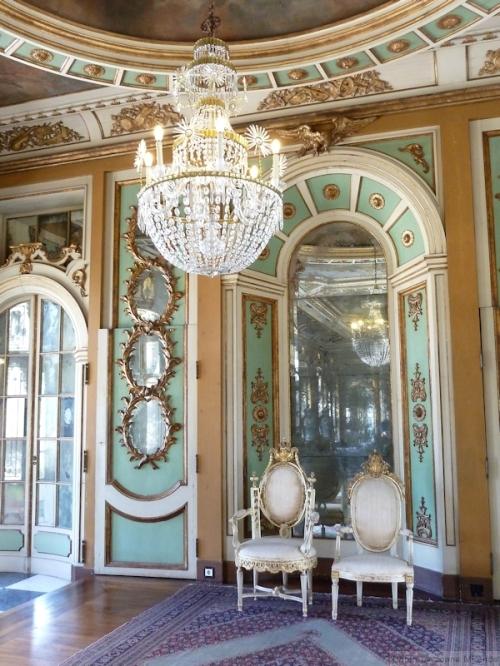 throne room at Palacio Queluz