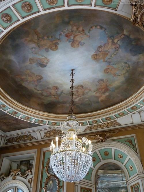 throne room ceiling at Palacio Queluz