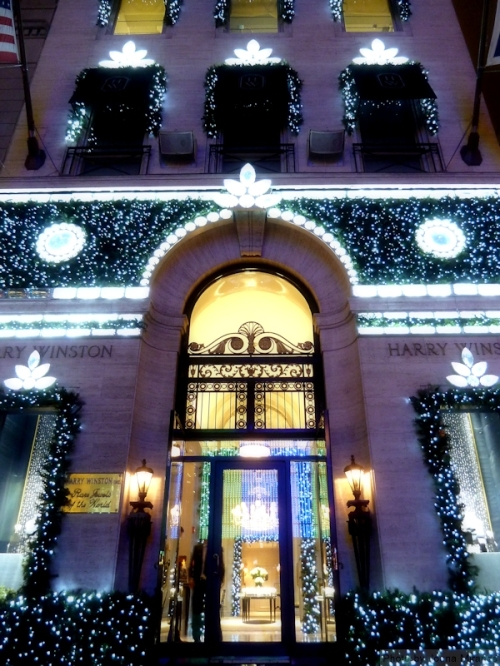 Harry Winston closeup lit up for Christmas