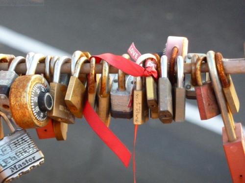 Brooklyn Bridge locks