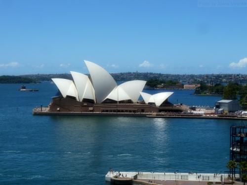 Side view of Sydney Harbor Bridge