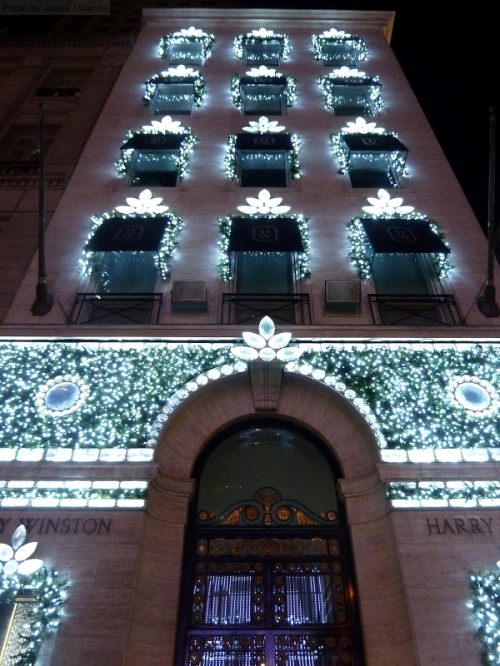 Harry Winston decorated for the holidays 2015
