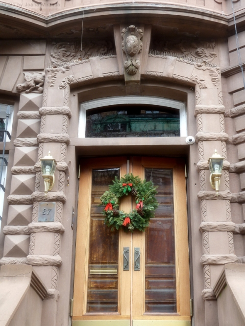 Manhattan brownstone decorated for Christmas