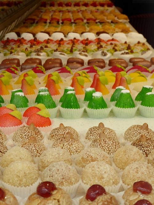 exquisite little cakes