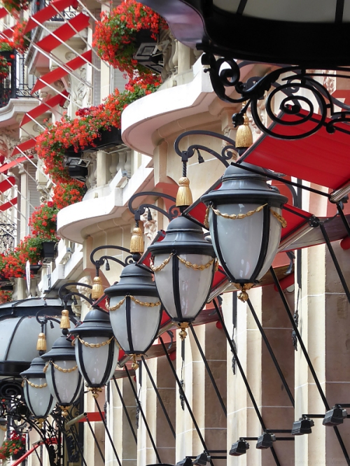 Symphony of lanterns and window boxes