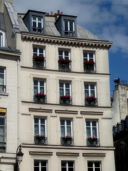 Near Les Halles 2